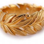 18 kt. gold. Laurel wreath ring
